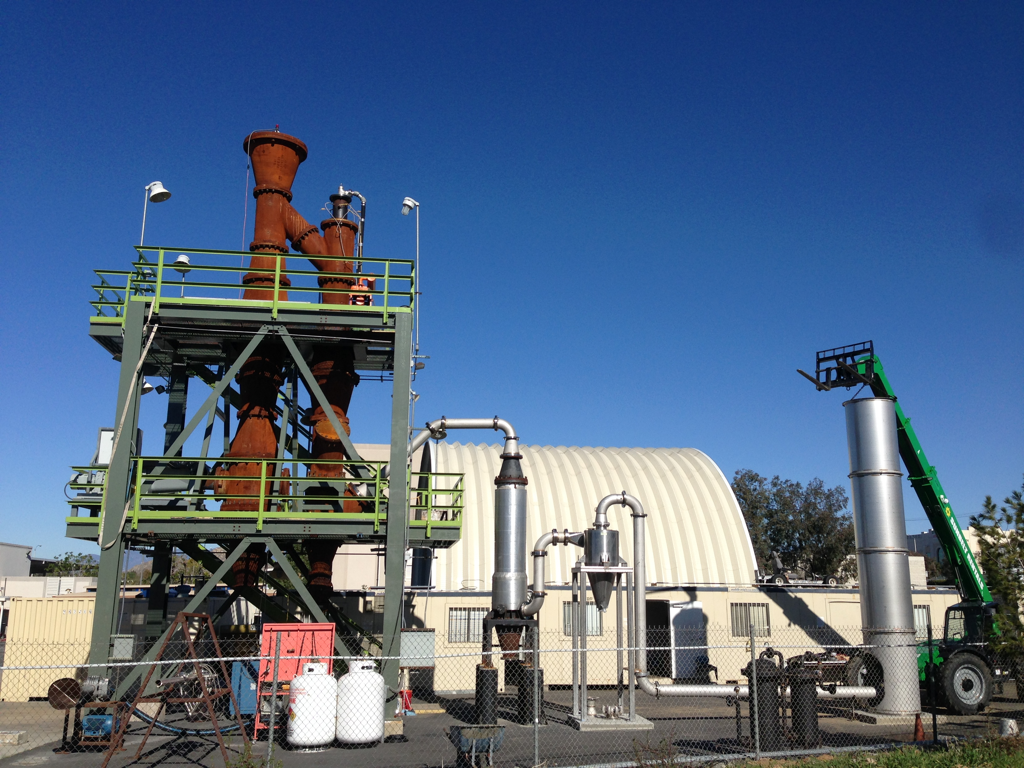 Pilot-scale pulse-detonation gasifier at the UC Riverside Center for Environmental Research & Technology